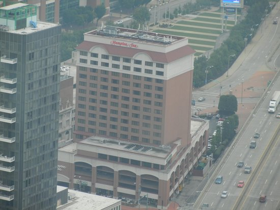 Hampton Inn - St. Louis Downtown at the Gateway Arch: View of the hotel from the top of the Arch.