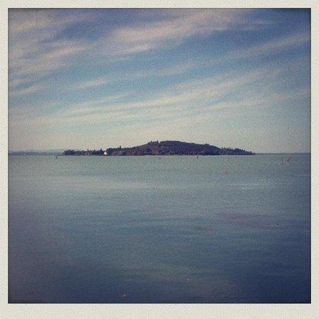 La Volpaia: Lago trasimeno vista isola polvese