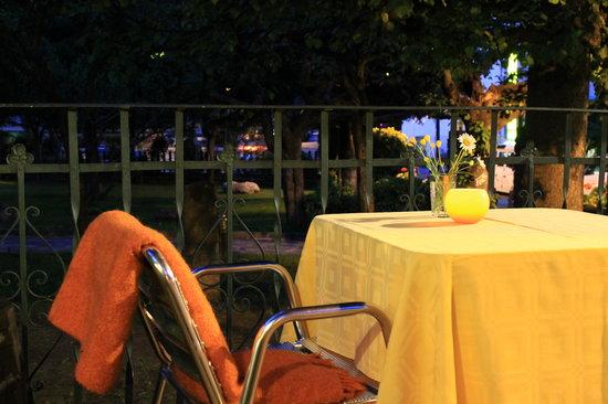 L'Avet de Sant Maurici : Terraza al aire libre