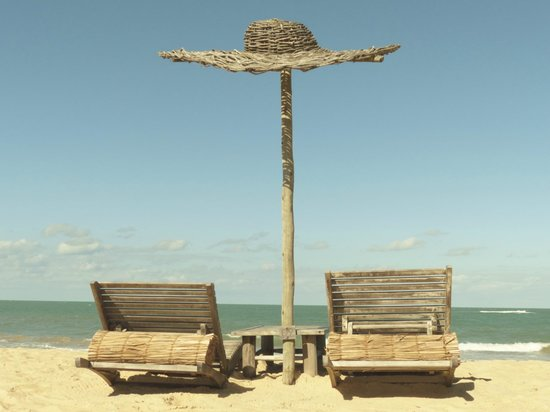 Soleluna Casa Pousada: Barraca de praia Uxuá na praia do Rio verde
