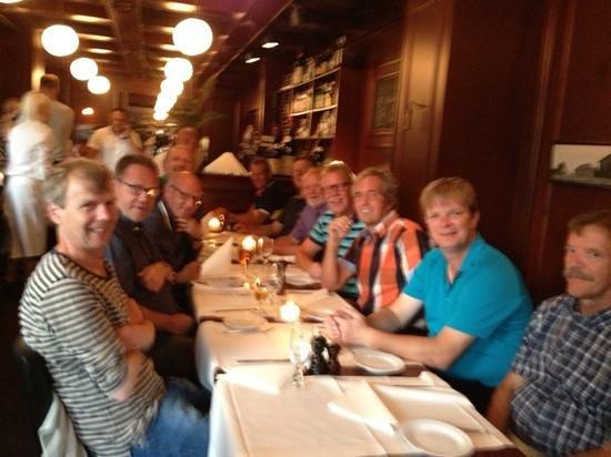 Raadhuus Kafeen: hyggelig aften med golf drengene