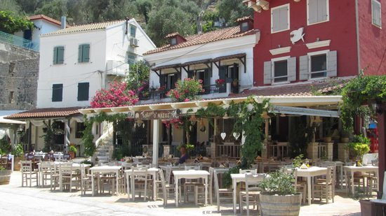 Nassos Tavern