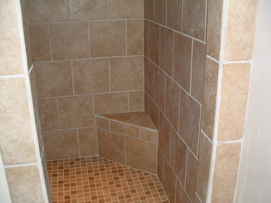 The Lazy T B and B: 25 sf shower