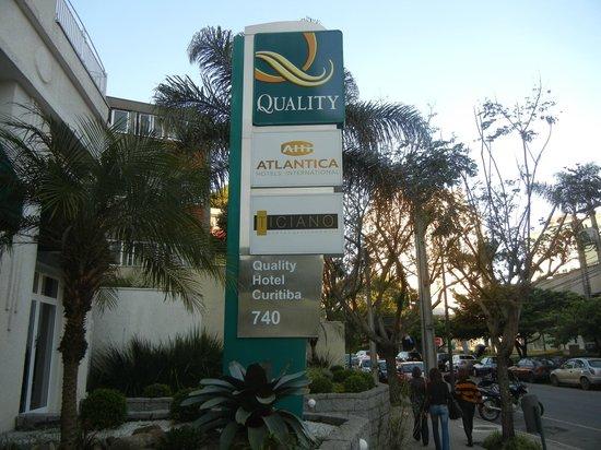 Quality Hotel Curitiba: Bem sinalizado