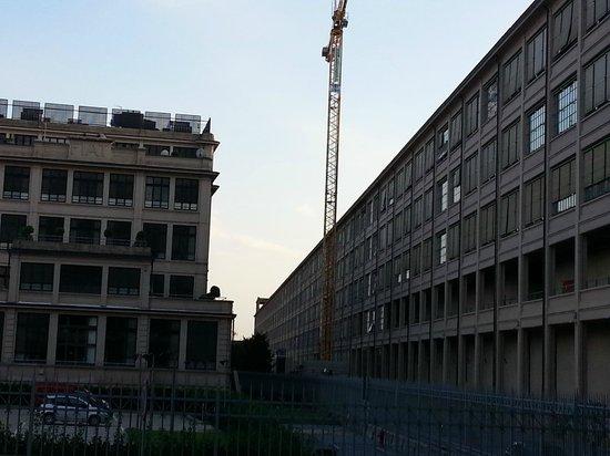 NH Torino Lingotto Congress : hotel a destra