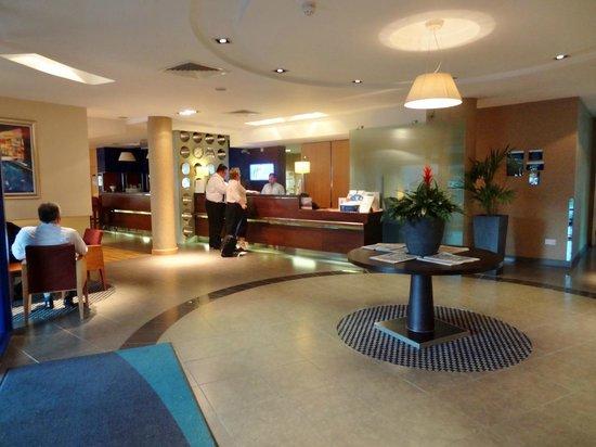 Holiday Inn Express Southampton M27 Jct 7: Lobbby