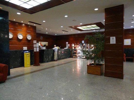Prestige Goya Park : Hall d'accueil