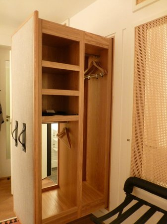 closet open picture of louis hotel munich tripadvisor. Black Bedroom Furniture Sets. Home Design Ideas