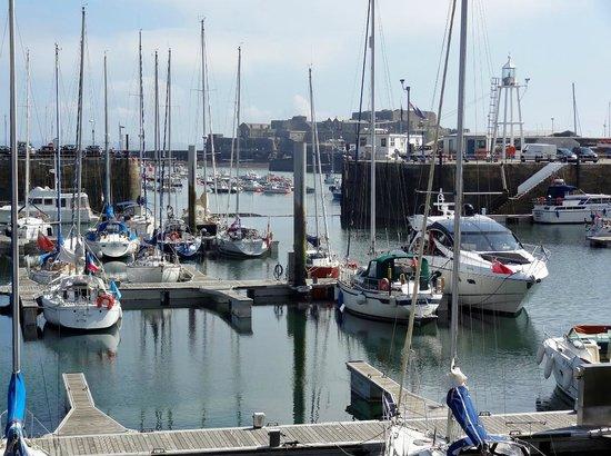 The Boathouse: Harborside