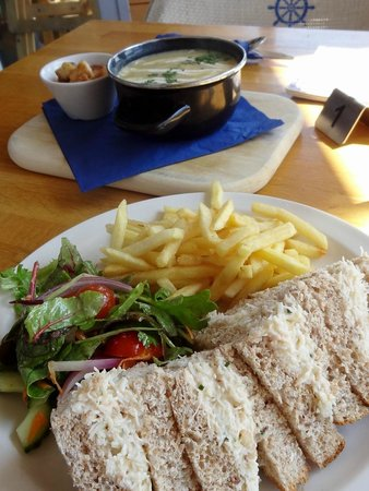 The Boathouse: Crab soup / crab sandwiches