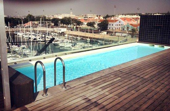 Vu de la piscine ext rieure photo de altis bel m hotel for Hotel design piscine lisbonne