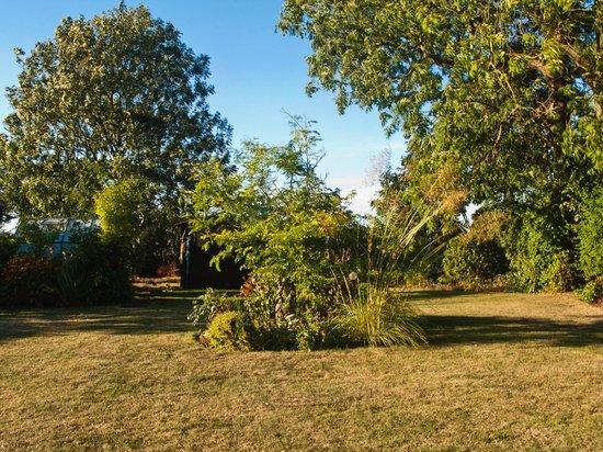 The Manor House: Pumphouse Cottage Garden