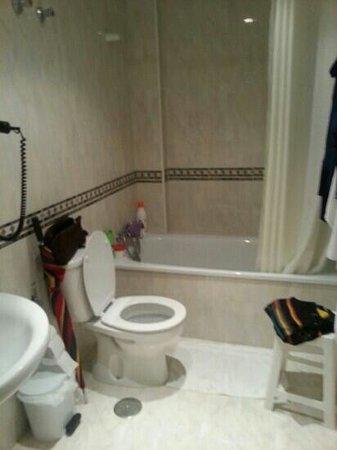Apartamentos HC Burriana Playa: baño