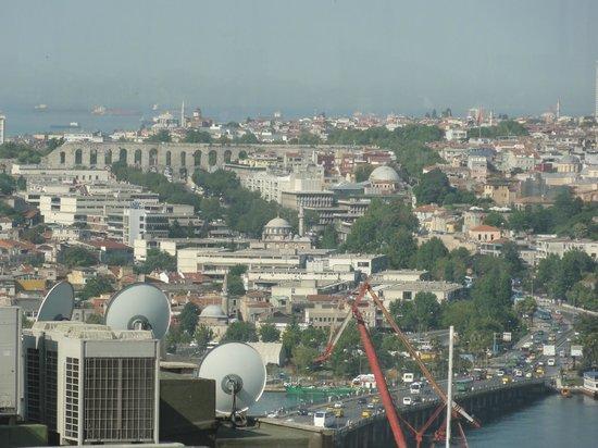 Palazzo Donizetti Hotel: Vista del acueducto desde el desayunador