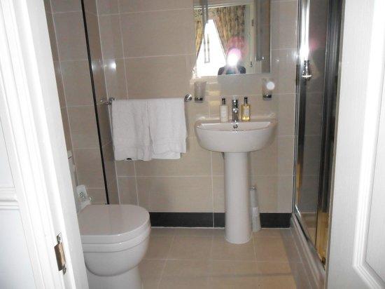 Hill House: Very nice bathroom