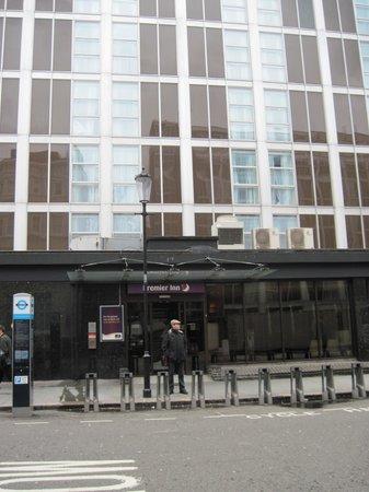 Premier Inn London Kensington (Earl's Court) Hotel: Fachada do Hotel