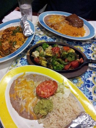 El Leoncito Mexican and Cuban Restaurant : huge servings