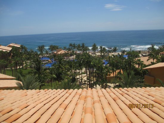Grand Fiesta Americana Los Cabos All Inclusive Golf & Spa: View of pool and ocean off of deck