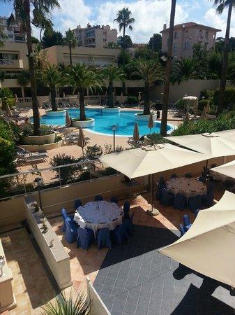 AC Hotel by Marriott Ambassadeur Antibes- Juan les Pins : Pool Area