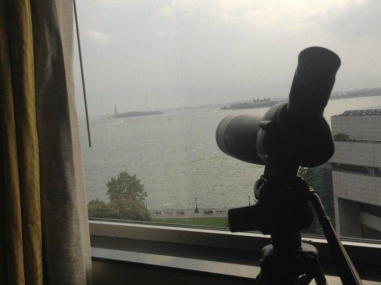 The Ritz-Carlton New York, Battery Park: telescope focused on statue of liberty