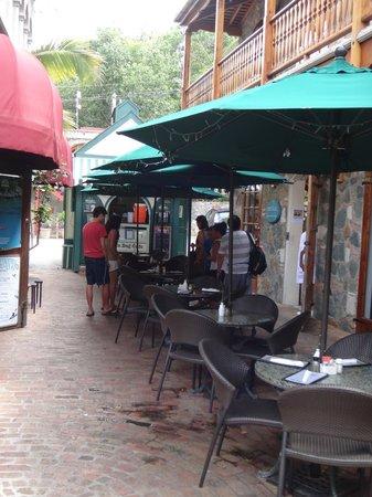 Sun Dog Cafe: you can shop while you wait.