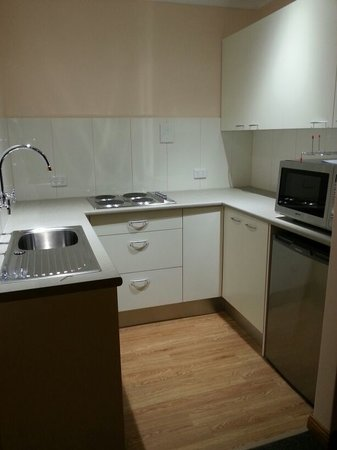 Adelaide Hills Bed and Breakfast Accommodation: Fully functioning Kitchen
