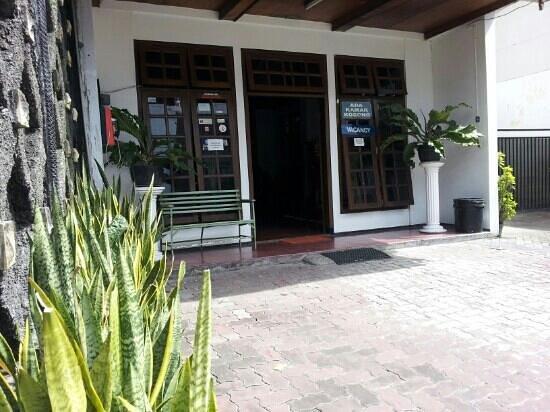Sartika Homestay: front view