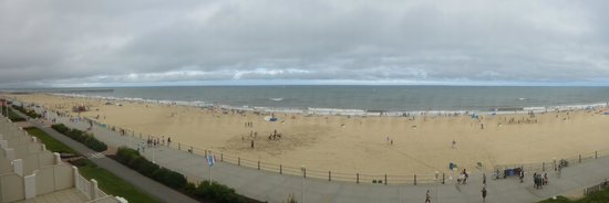 SpringHill Suites Virginia Beach Oceanfront: Pic of the boardwalk and beach from our 4th floor room