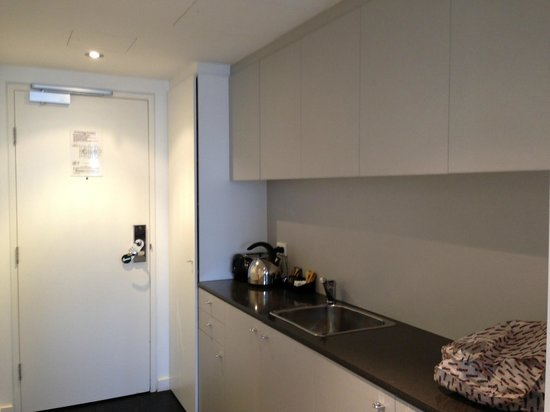 Adina Apartment Hotel Wollongong: Kitchenette