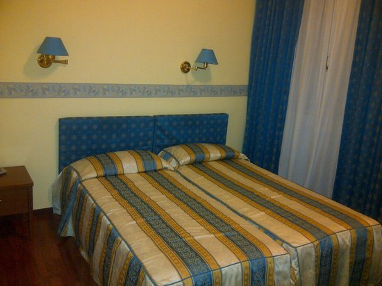 University Hotel: Two single bed that I joined