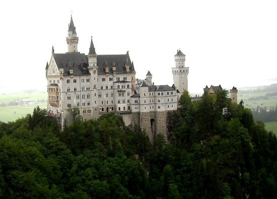 Altstadt von Fuessen: Neuschwanstein Castle