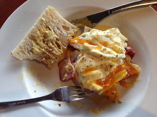 Eat Deli & Bar: Eggs Bene with Bacon & Mustard hollandaise