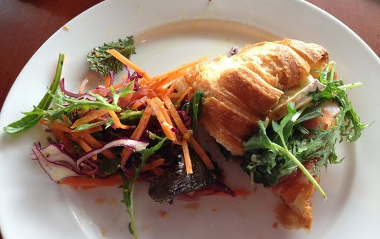 Eat Deli & Bar: Ham, Brie & Salad Croissant