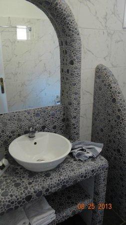 Evgenia Villas & Suites : bathroom