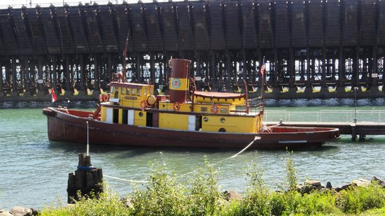 The Lake County Historical Society DMuseum : Edna G tugboat