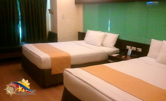 Microtel Inn & Suites by Wyndham Cabanatuan : Microtel by Wyndham Hotel Cabanatuan City Room