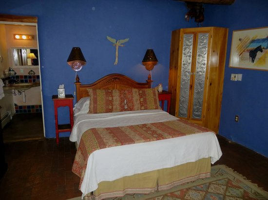 El Paradero Bed and Breakfast Inn : Our Bedroom (#9)