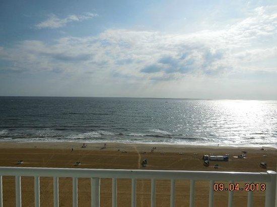 Comfort Inn & Suites Oceanfront : view east