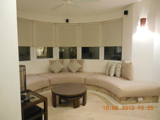 7Stones Boracay Suites: another living room