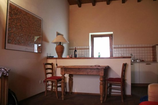 """Musella Winery & Relais: Dining area in the """"Inverno"""" room"""