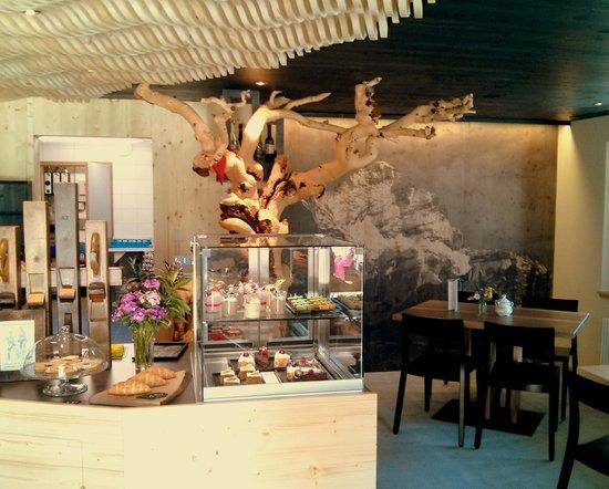 Cafe 3692: The Wetterhorn, 3692 meter high