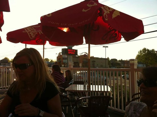 Tolento's Ice House Grille: Great Deck for cocktails