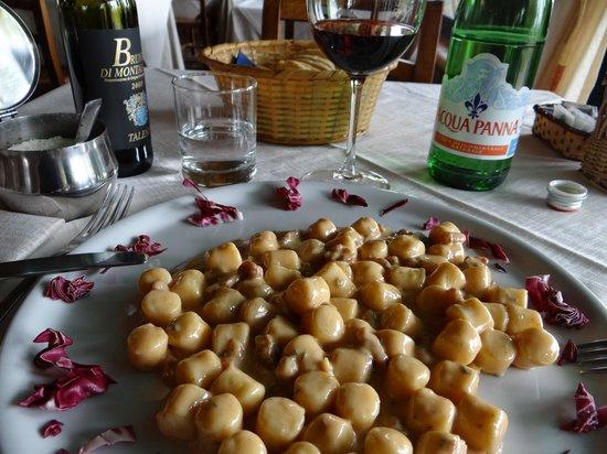 Ristorante La Taverna Del Barbarossa : Gnocchi con Gorgonzola e Noci