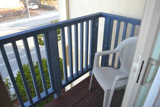 Howard Johnson Marina at Monterey Bay : Small Balcony