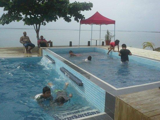 Le Uaina Beach Resort: new pool area