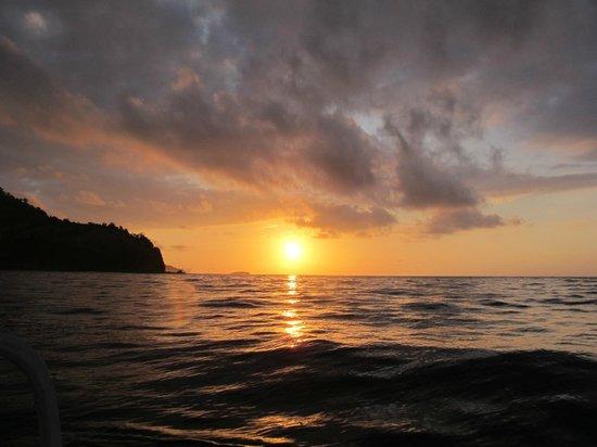 Hotel Genggong at Candidasa: Sun rise at boat tour