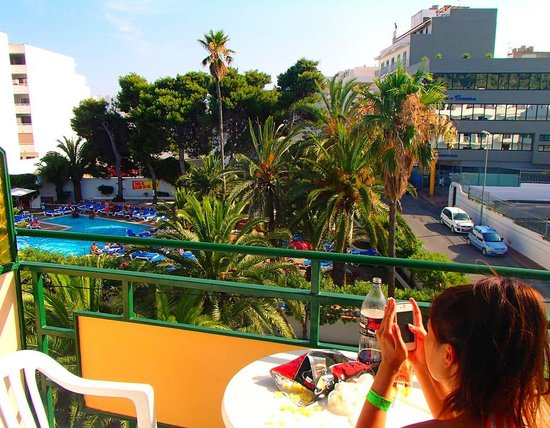 Hotel Tropical: Balcony view