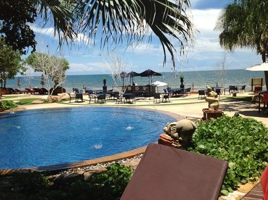 Wora Bura Resort & Spa: a view to the ocean