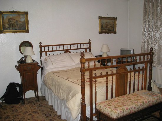 St James House: Double room