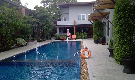 Phu NaNa Boutique Hotel: Lovely pool much needed to cool down!